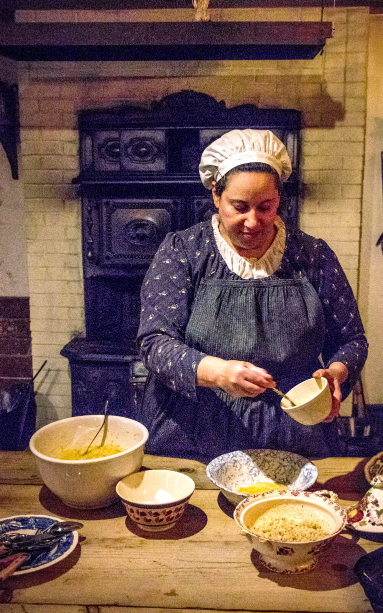 One of the Costumed Chefs of Dundurn Castle Cooking in the Kitchen :: I've Been Bit! Travel Blog