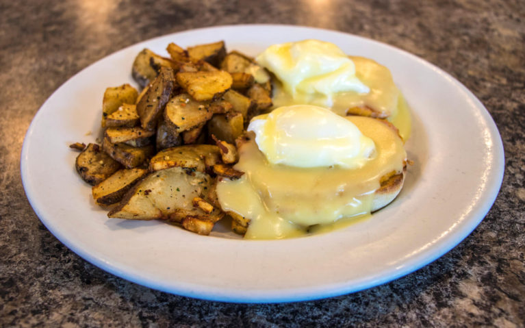 Eggs Benedict with Homefries at Dave's Diner in Sebringville, Ontario :: I've Been Bit! Travel Blog