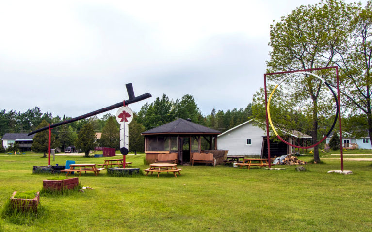 World's Largest Pow Wow Drum, Dreamcatcher & Peace Pipe in Zhiibaahaasing First Nation :: I've Been Bit! Travel Blog