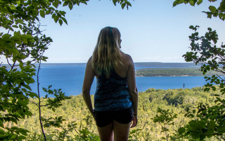 Lindsay Overlooking Colpoy's Bay from the Skinners Bluff Trail :: I've Been Bit! Travel Blog
