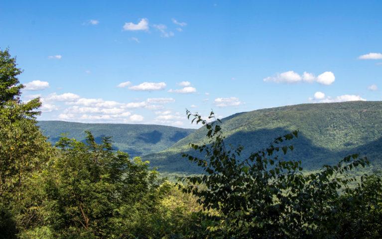 Laurel Highlands PA Baughman Rock Overlook :: I've Been Bit! Travel Blog