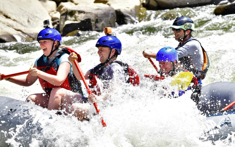 Rafting Along the Youghiogheny River :: I've Been Bit! Travel Blog