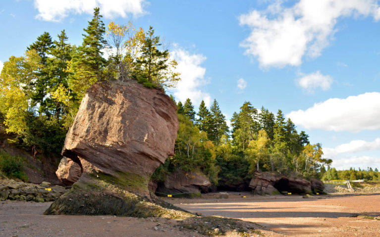 Hopewell Rocks at the Bay of Fundy in Nova Scotia During Low Tide :: I've Been Bit! Travel Blog