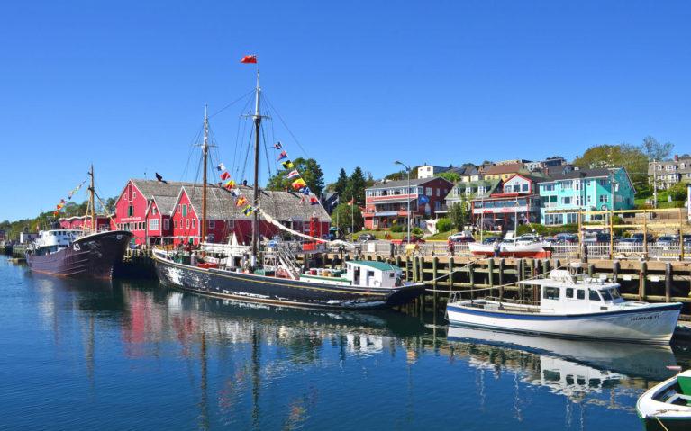 View of the Harbour in Lunenburg Nova Scotia :: I've Been Bit! Travel Blog