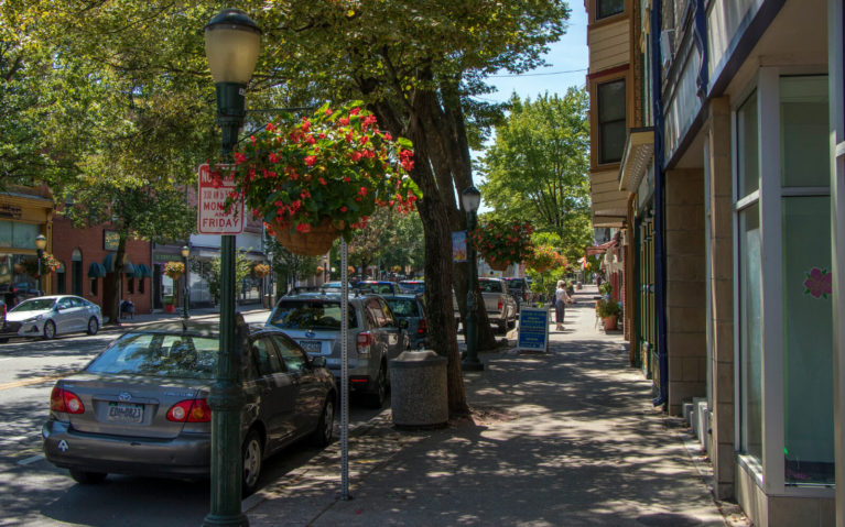 View of a Picturesque Sidewalk in downtown Carlisle PA :: I've Been Bit! Travel Blog