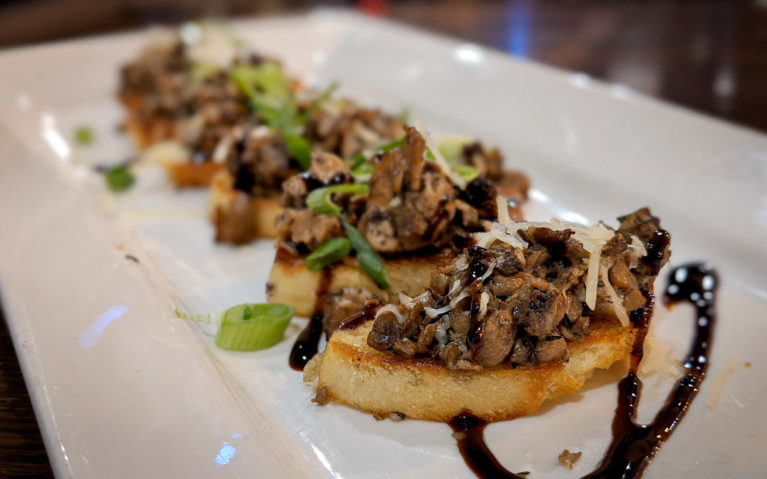 Mushroom Bruschetta at the Corner Cafe & Grill in Thornbury :: I've Been Bit! Travel Blog