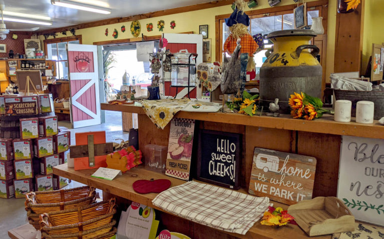 Inside of Grandma Lambe's During the Fall :: I've Been Bit! Travel Blog