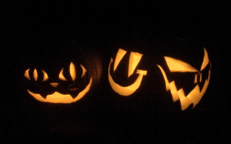 Pumpkins Carved and Lit Up at Night :: I've Been Bit! Travel Blog