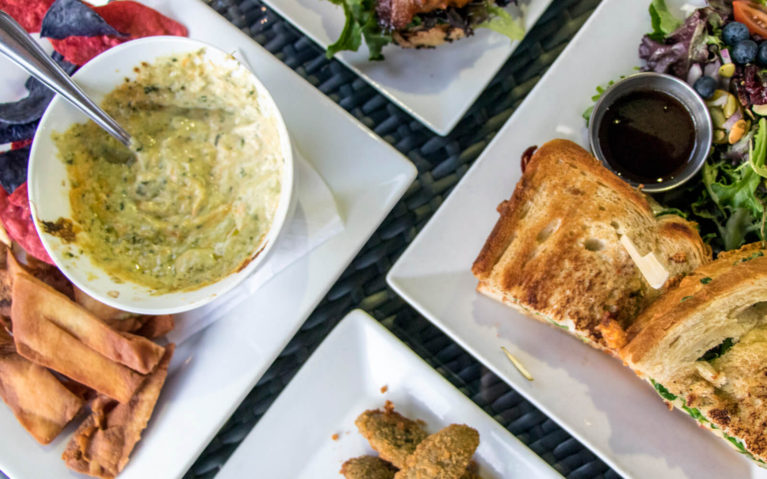 Artichoke Dip, Fried Pickles, Grilled Cheese and More From the Hudson Public House :: I've Been Bit! Travel Blog