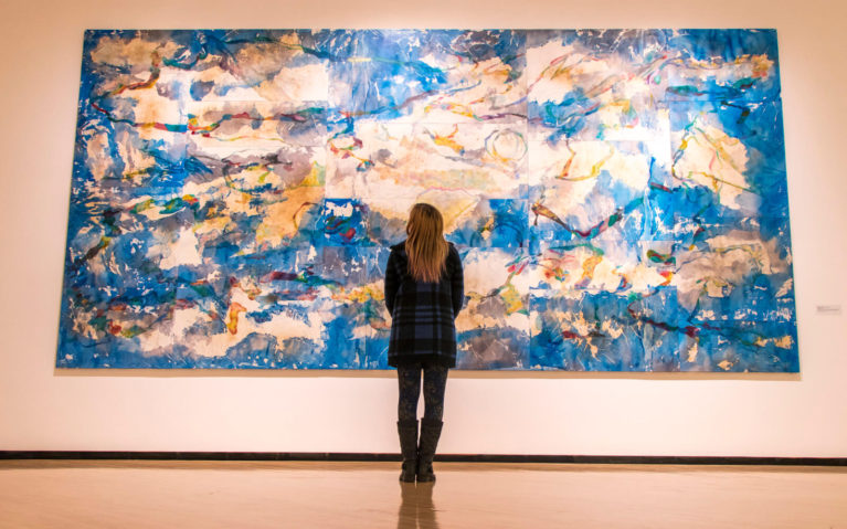 Lindsay Looking at a Piece of Art at the Taubman Museum of Art :: I've Been Bit! Travel Blog