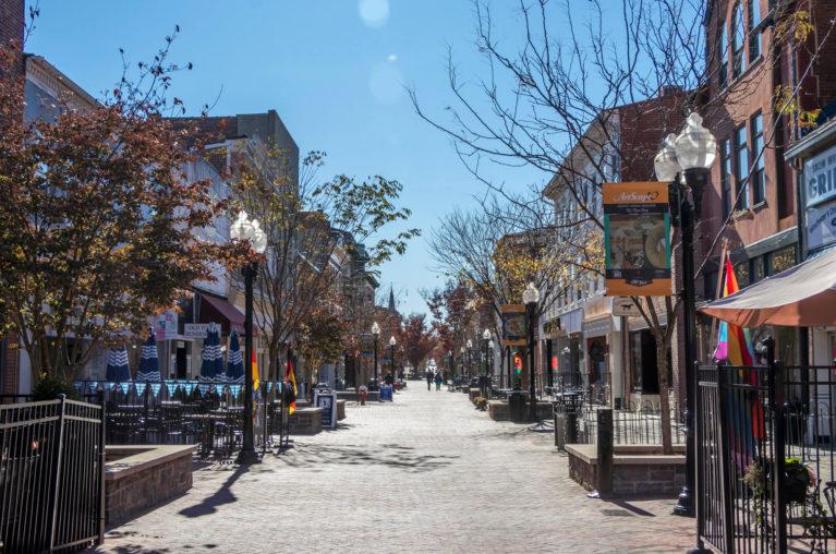 Pedestrian Walkway In Winchester Virginia :: I've Been Bit! Travel Blog