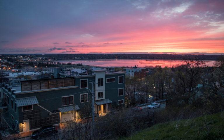 Sunset Views From Fort Sumner Park in Munjoy Hill Portland :: I've Been Bit! Travel Blog