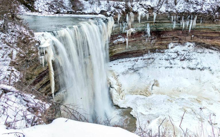 Lower Balls Falls in Winter :: I've Been Bit! Travel Blog