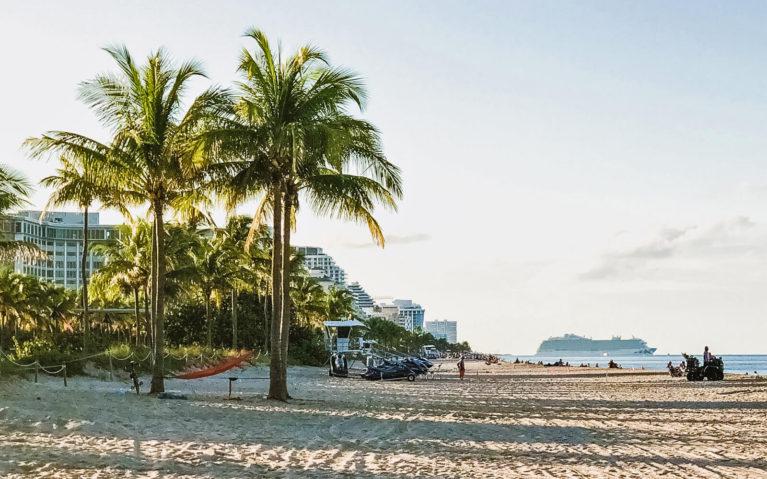 Fort Lauderdale Beach at Golden Hour :: I've Been Bit! Travel Blog