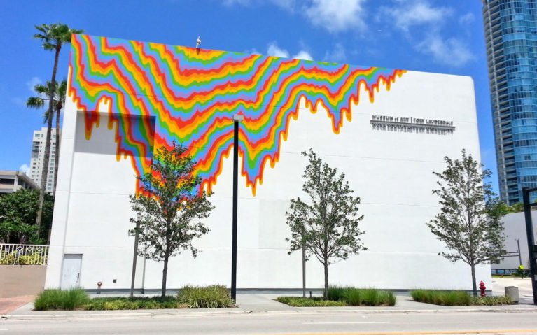 Mural On the Outside of the Fort Lauderdale Museum of Art :: I've Been Bit! Travel Blog