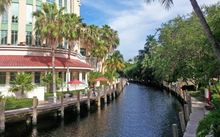 Fort Lauderdale Riverwalk on a Sunny Day :: I've Been Bit! Travel Blog