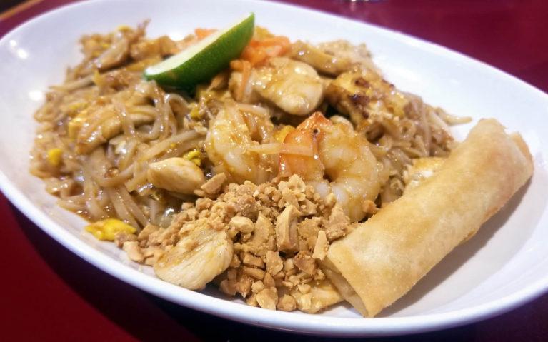 Northern Thai's Pad Thai in Downtown Kitchener :: I've Been Bit! Travel Blog