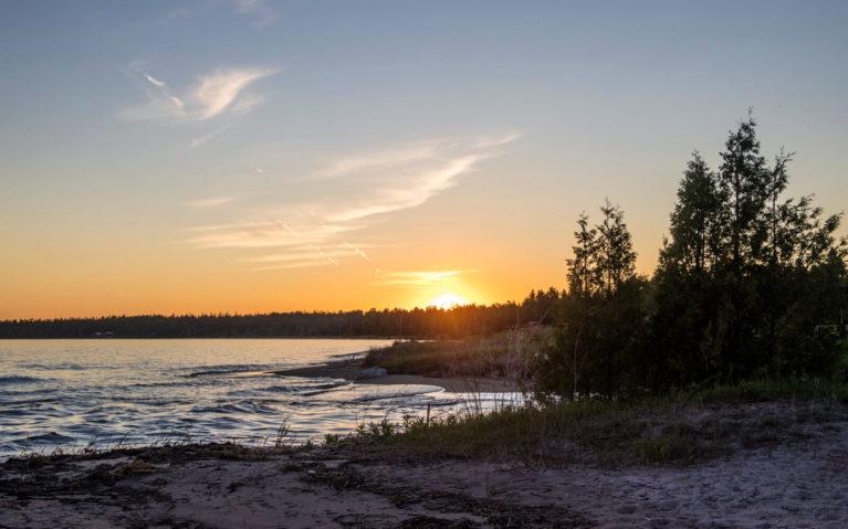 Sunset in Providence Bay on Manitoulin Island :: I've Been Bit! Travel Blog