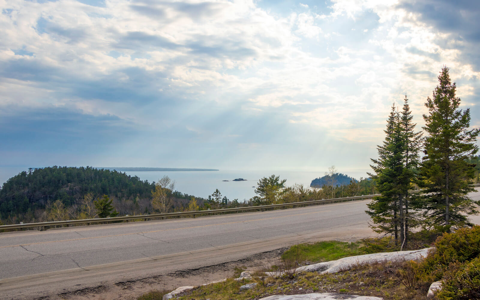 Views of Lake Superior on an Ontario Road Trip :: I've Been Bit! Travel Blog