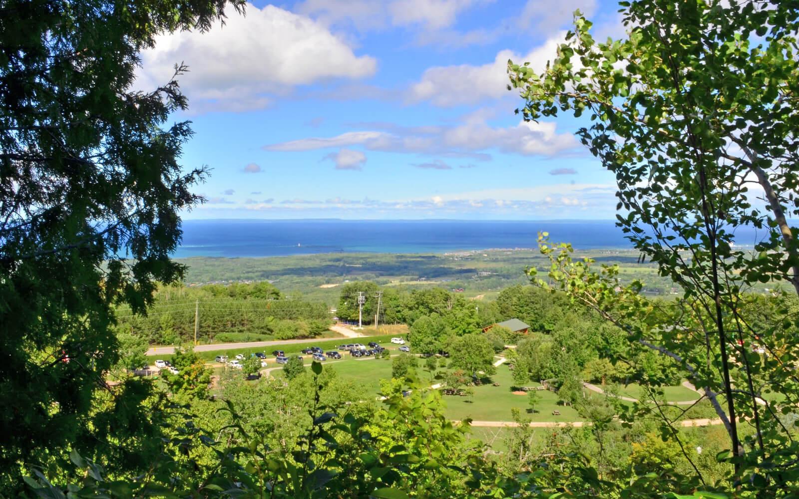 Views Across Georgian Bay from Collingwood :: I've Been Bit! Travel Blog