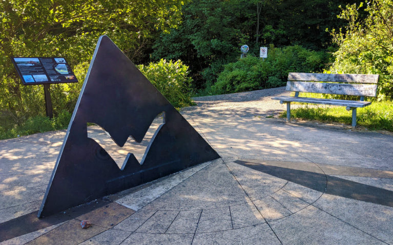 Sundial Along the Geotime Trail in Waterloo :: I've Been Bit! Travel Blog