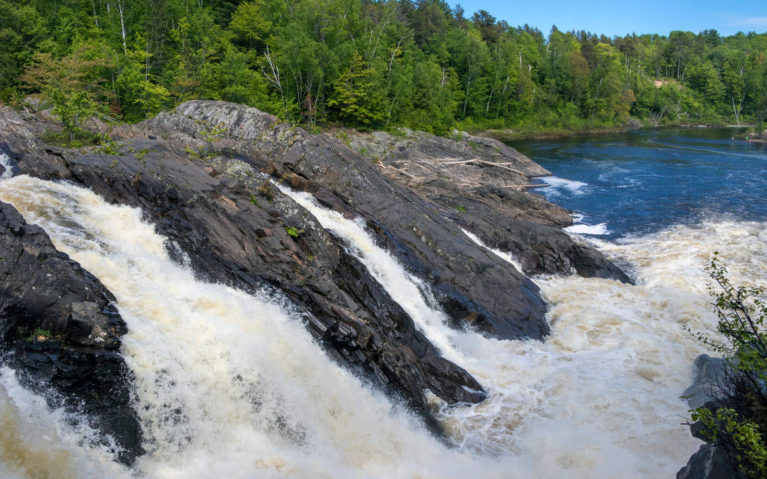 The Waterfalls At Chutes Provincial Park :: I've Been Bit! Travel Blog