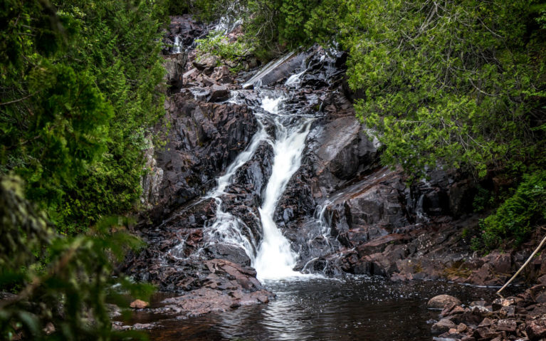 Rainbow Falls in Rainbow Falls Provincial Park :: I've Been Bit! Travel Blog