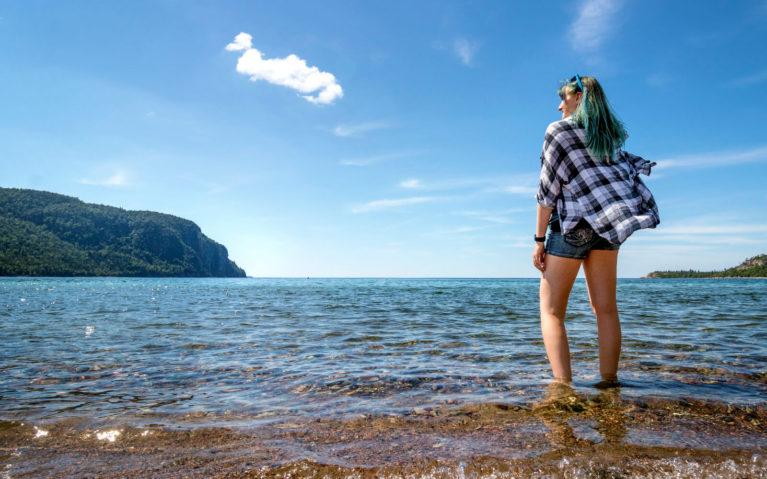 Lindsay Standing in Old Woman Bay in Lake Superior Provincial Park :: I've Been Bit! Travel Blog