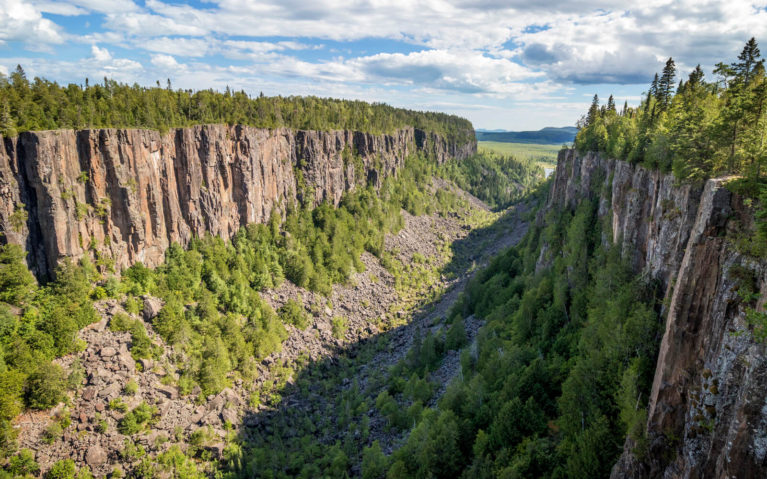 Views from the Lookout at Ouimet Canyon Provincial Park :: I've Been Bit! Travel Blog