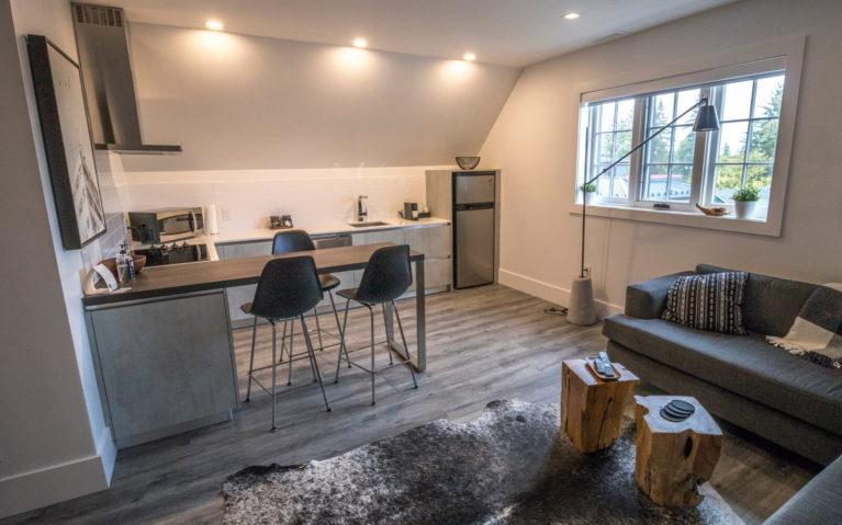 Living Room and Kitchen at the VanderMarck Suite 307 :: I've Been Bit! Travel Blog