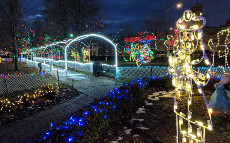 Some of the Displays at the Fantasy of Lights in Trenton :: I've Been Bit! Travel Blog