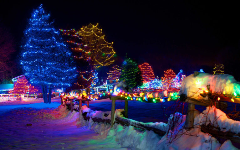Some of the Light Displays From the Alight at Night Event at Upper Canada Village in Ottawa :: I've Been Bit! Travel Blog