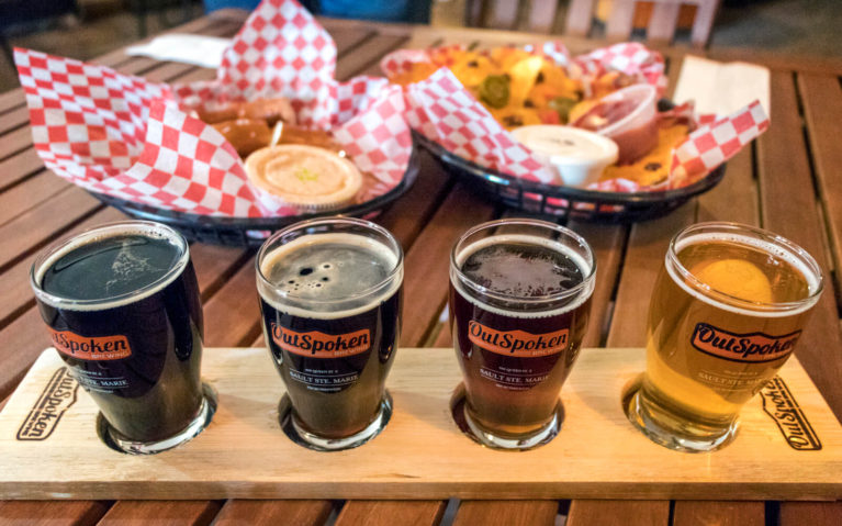 Flight of Outspoken Beer & Eats from Shabby Motley :: I've Been Bit! Travel Blog