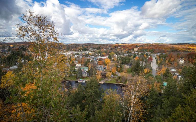 Muskoka's Huntsville in Autumn :: I've Been Bit! Travel Blog