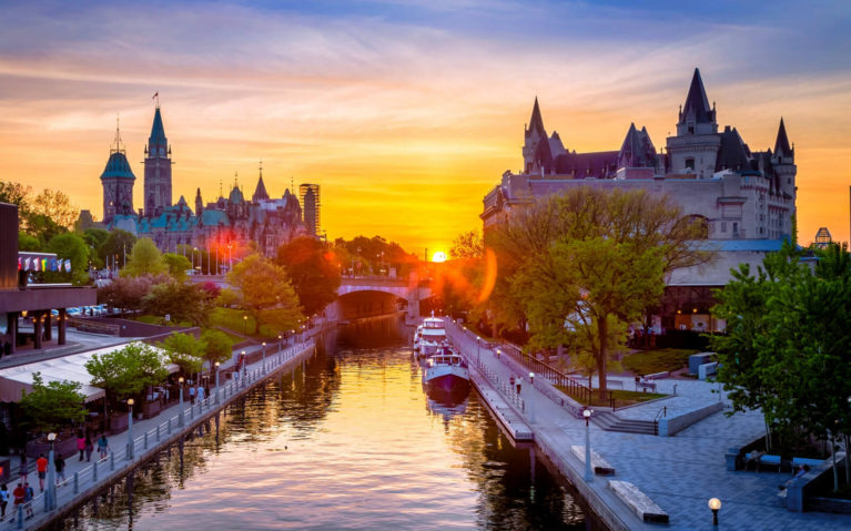 Ottawa at Sunset Along the Rideau Canal :: I've Been Bit! Travel Blog