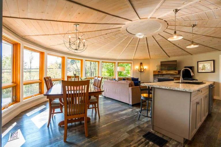 Interior of Round, Yurt-Shaped House in Muskoka