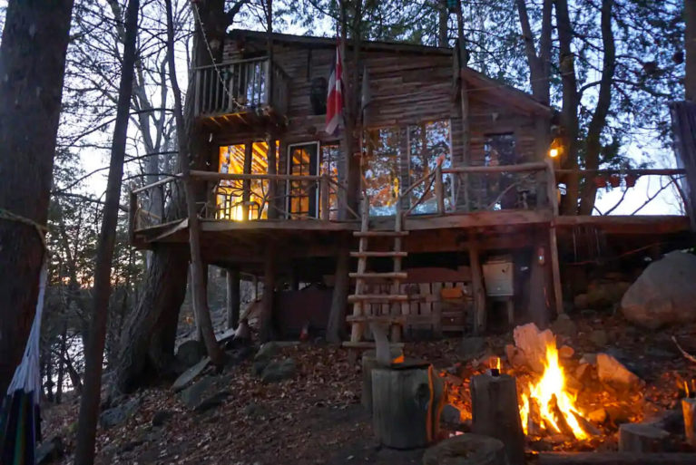 Lanark County Treehouse at Night with Fire Going - Image from Airbnb :: I've Been Bit! Travel Blog