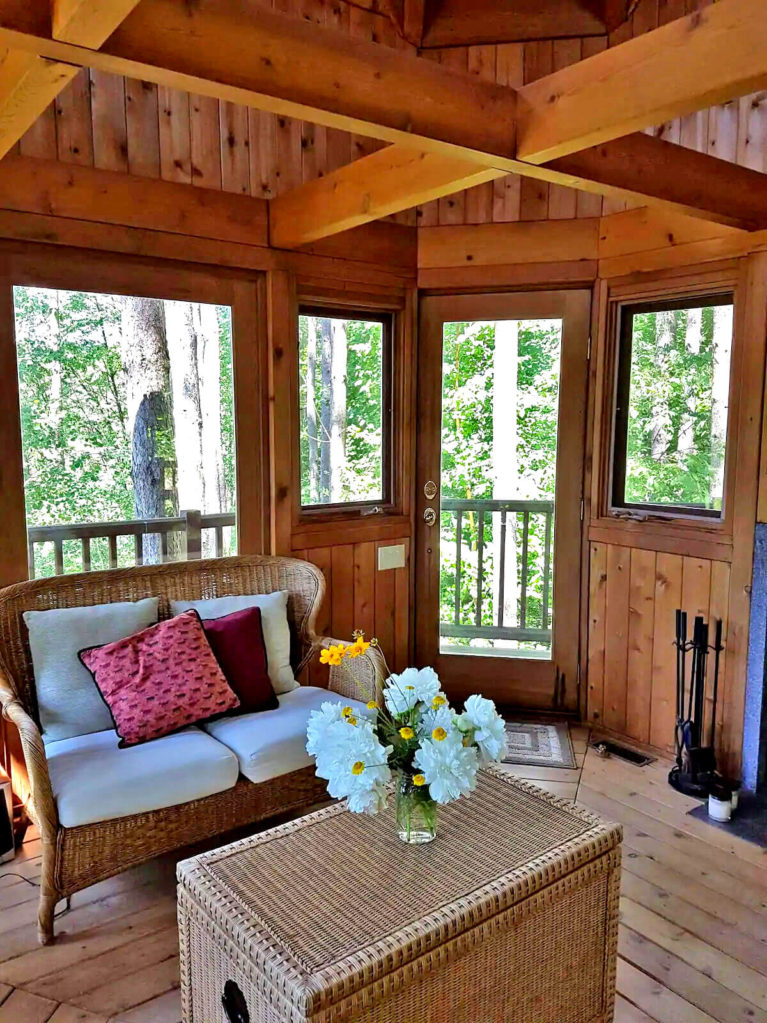 Interior Shot of Port Perry Treehouse Airbnb - Image from Airbnb :: I've Been Bit! Travel Blog