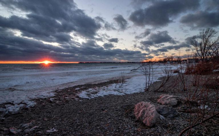 Moody Sunset Over Lake Erie :: I've Been Bit! Travel Blog