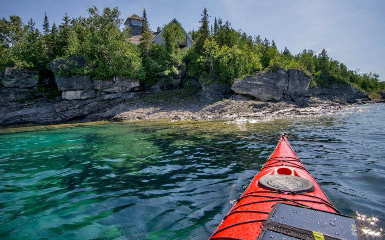 Red Kayak in the Turquoise Waters of Georgian Bay :: I've Been Bit! Travel Blog