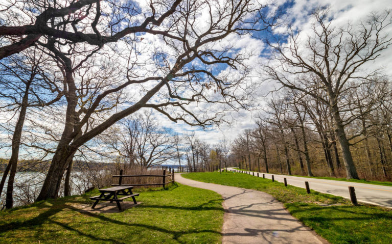 Views Along the Niagara Parkway in Spring :: I've Been Bit! Travel Blog