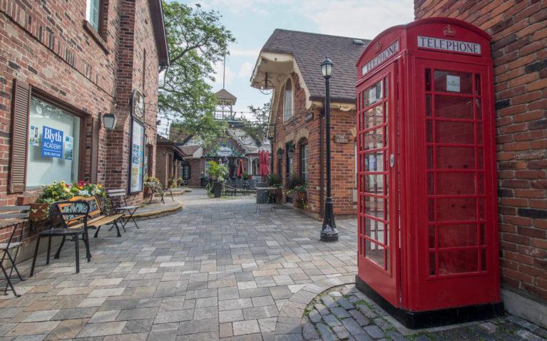 Village Square in Burlington :: I've Been Bit! Travel Blog