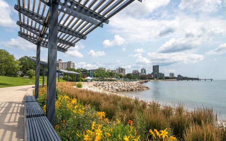 Views Along the Waterfront in Burlington :: I've Been Bit! Travel Blog